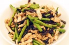 Stir-Fried Long Beans with Chicken