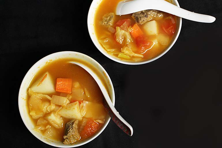 Luosong Soup (羅宋湯)